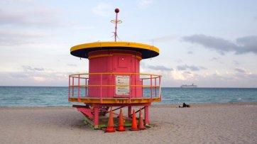 miami-beach-lifeguard-tower-10th-street