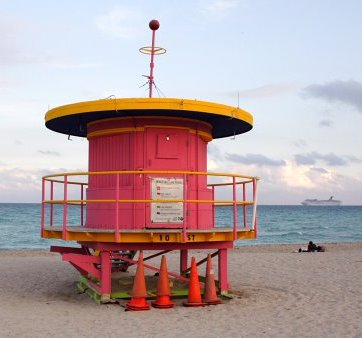 miami-beach-lifeguard-tower-10th-street