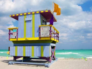 miami-beach-lifeguard-tower-15th-street