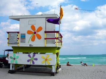 miami-beach-lifeguard-tower-16th-street