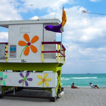 miami-beach-lifeguard-tower-16th-street