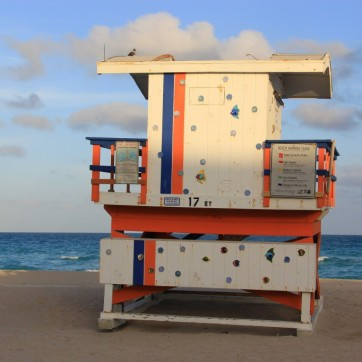 miami-beach-lifeguard-tower-17th-street